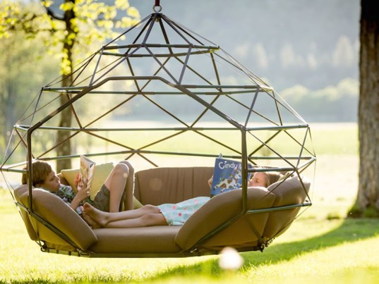 swing for kids, creative furniture, kodama zones, green design, inventive seating, geo swing, outdoor swing, swing, relaxation, sustainable design, family swing