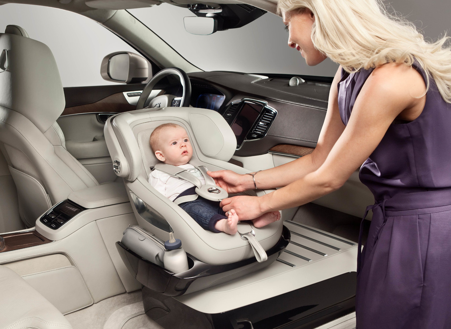 Volvo's front-row child seat concept puts a new spin on family road