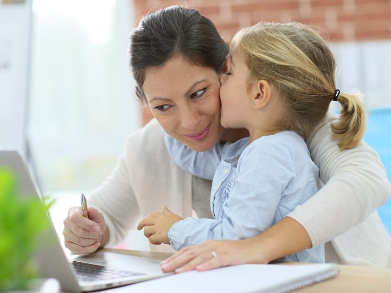 Advantages and disadvantages of working mothers