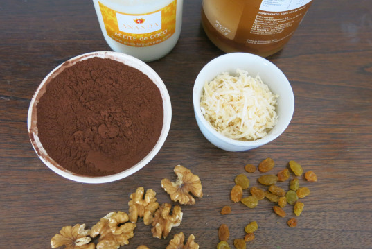 Coconut Oil, Chocolate Bark, cacao powder, 15 minutes recipe, hommade chocolate, chocolate toppings, frozen chocolate, bake-free, gluten-free