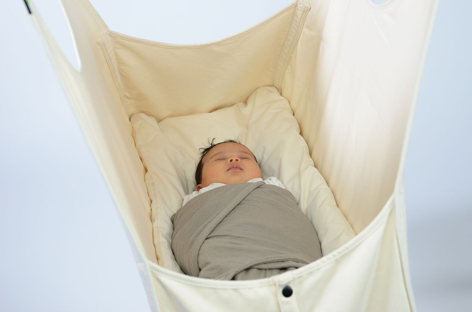 Enter To Win An Organic Hushamok Baby Bassinet Worth 599