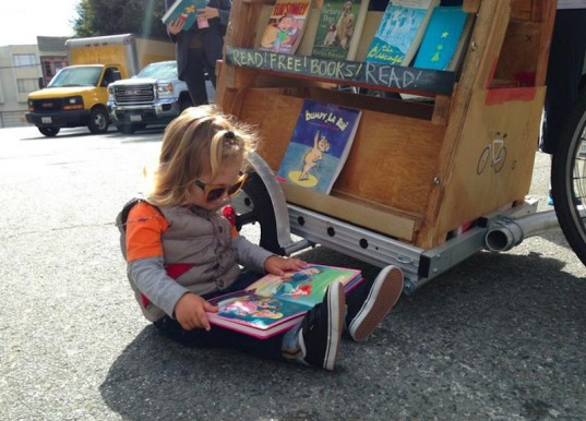 bibliobicicleta, education, mobile library, kickstarter