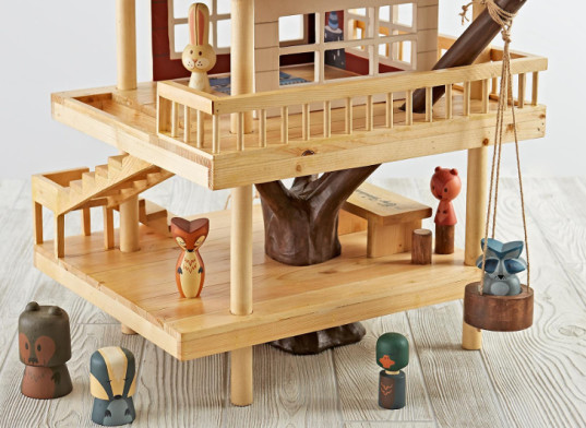 Land of Nod, treehouse play set, playhouse, wooden treehouse toy, wood playhouse, woodland creatures, wooden toys, water-based paints, non toxic toys, recycled wood, sustainable toys