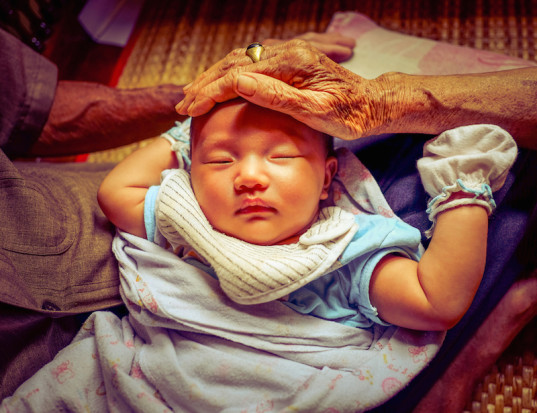 traditions, postpartum traditions, parenting, parenting in China