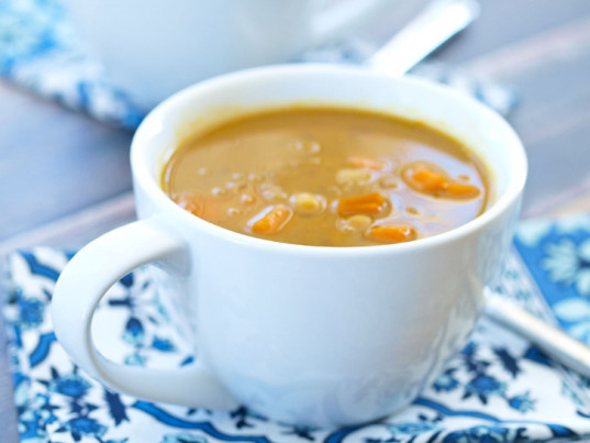 vegan, vegan recipe, soup, vegan slow cooker soup recipe, slow cooker recipe, healthy meals for kids, winter comfort food, simple vegan cooking, vegan meal ideas, vegan meals for children, crockpot recipes, vegan crockpot soups for kids, winter meals, winter cooking, vegan crock pot soups, crock pot