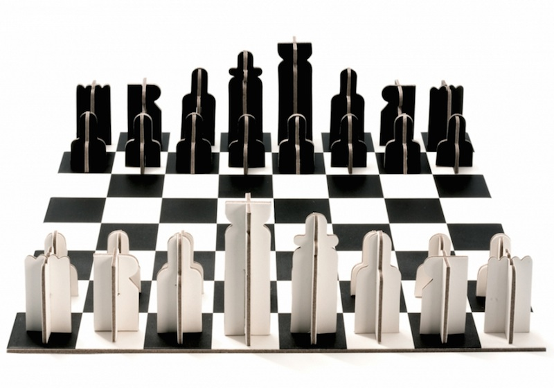 minimalist recycled cardboard chess set introduces modern. Black Bedroom Furniture Sets. Home Design Ideas