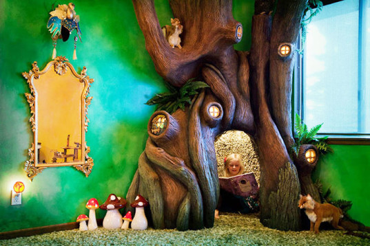 fairy tale tree house, DIY tree house, bedroom tree house, tree house reading nook, dad builds bedroom tree house, radamshome, Reddit, papier-mâché tree house, kids play house, green design, sustainable design, design for kids rooms, bedroom design, kids bedroom design, fairy tale bedroom