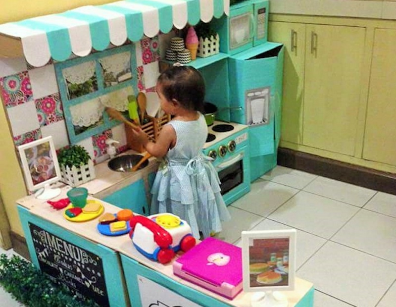 Mom Transforms Cardboard Boxes Into A Dreamy Play Kitchen For Her