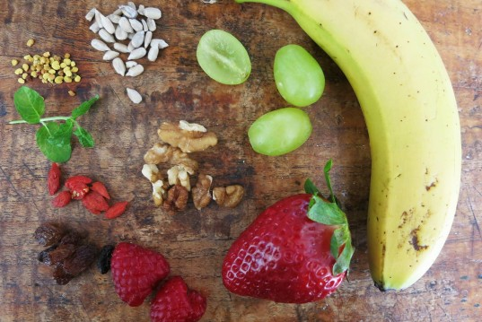 healthy mandala, how-to, fruits and nuts mandala, healthy design, spring recipe, raw food, healthy breakfast