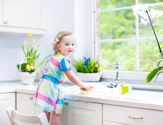 cleaning, safe cleaning, toxic cleaning, cleaning supplies