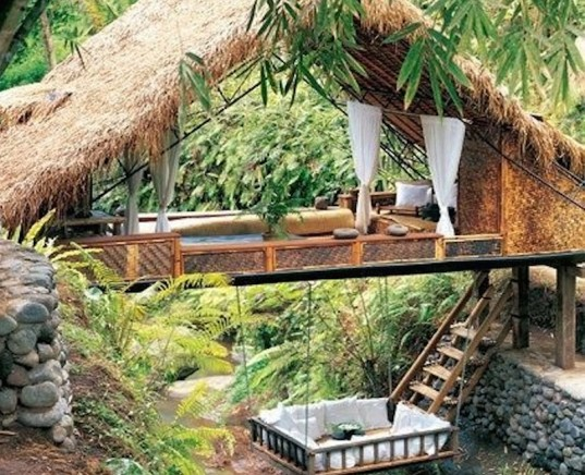 outdoor living, treehouse, dreamy treehouse, treehouse living,