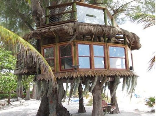 beach treehouse, treehouse, homes, home design