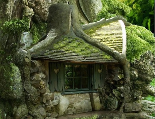 hobbit house, treehouse, dreamy treehouse, fairy house