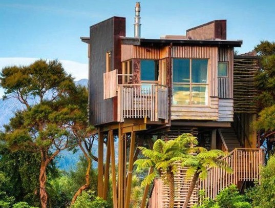treehouse, jungle treehouse, modern treehouse, green homes