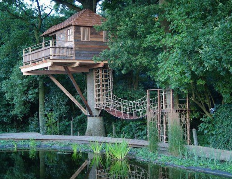 12 treehouses that give us major wanderlust inhabitots for Three tree treehouse plans