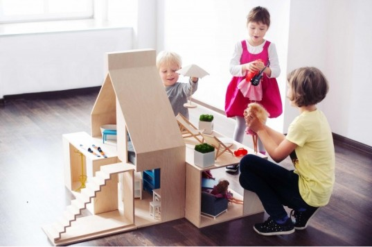 Boomini, modular dollhouse, boomini dollhouse, boomini dollhouses, modern dollhouses, eco dollhouses, dollhouse furniture