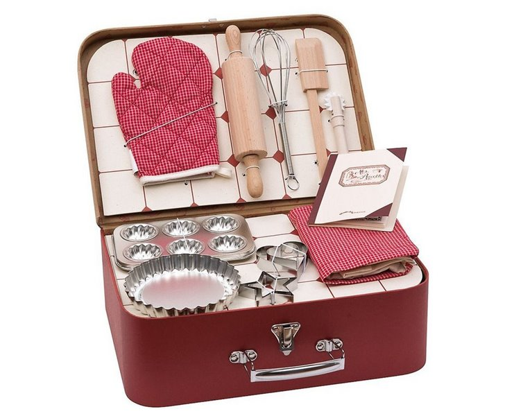 Vintage Child S Baking Set Cooks Up Fun In The Play