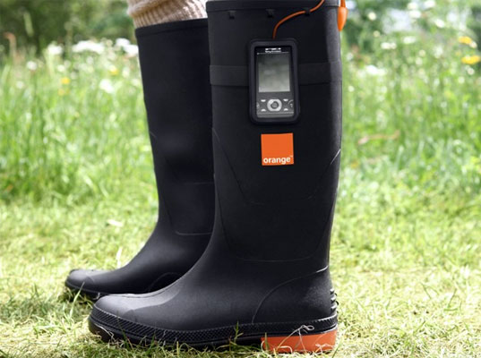thermoelectric boots, thermoelectric fashion, thermoelectric accessories, Orange, Gotwind Power, wearable technology, human-powered fashion, human-powered accessories, eco-fashion, sustainable fashion, green fashion, sustainable style