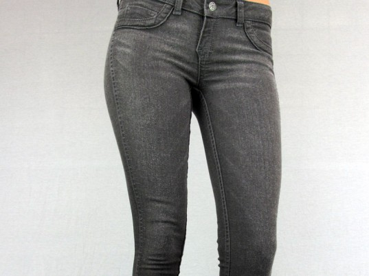 Bleulab, reversible jeans, eco-friendly jeans, sustainable jeans, eco-friendly denim, sustainable denim, eco-fashion, sustainable fashion, green fashion, ethical fashion, sustainable style, made in USA