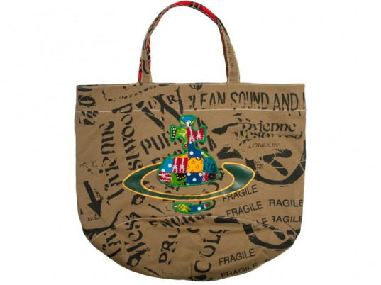 Vivienne Westwood, Ethical Africa Fashion Project, eco-fashion, sustainable fashion, green fashion, ethical fashion, sustainable style, Africa, fashion philanthropy, Yooxygen, Yoox, eco-friendly bags, sustainable bags, reusable bags