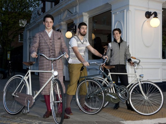 Dashing Tweeds, eco-fashion, sustainable fashion, green fashion, ethical fashion, sustainable style, bicycle fashion, bicycles, cycle chic, cycling clothing, cycling attire