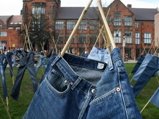 Helen Storey, eco-friendly jeans, sustainable jeans, eco-friendly denim, sustainable denim, catalytic clothing, eco-fashion, sustainable fashion, green fashion, ethical fashion, sustainable style, wearable technology