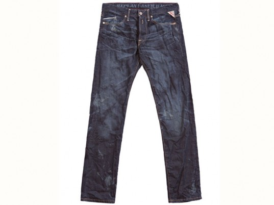 Replay Jeans, eco-friendly jeans, sustainable jeans, eco-friendly denim, sustainable denim, sandblasting, laser wash, eco-fashion, sustainable fashion, green fashion, ethical fashion, sustainable style, eco-textiles, eco-friendly textiles, green textiles, sustainable textiles, Italy