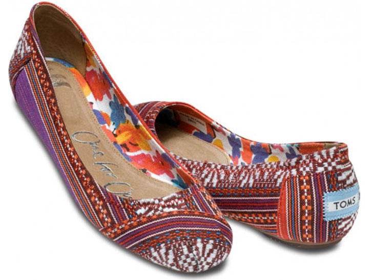 fcd831a6884 VIDEO  TOMS Shoes Introduces Print-Clad Ballet Flats for Spring ...