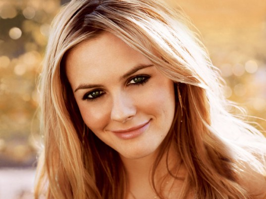 Alicia Silverstone, Juice Beauty, vegan fashion, vegan style, vegan beauty, eco-friendly beauty, sustainable beauty, natural beauty, green beauty, eco-friendly skincare, sustainable skincare, natural skincare, green skincare, eco-celebs, eco-friendly celebrities, green celebrities, eco-fashion, sustainable fashion, green fashion, ethical fashion, sustainable style