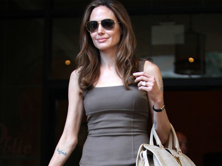 Angelina Jolies ConflictFree Diamond Ring May Not Be So Conflict