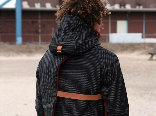 Nieuwe Heren, pollution, eco-friendly parkas, sustainable parkas, wearable technology, eco-fashion, sustainable fashion, green fashion, ethical fashion, sustainable style, eco-friendly jackets, sustainable jackets, Erik De Nijs, Tim Smit, Holland, the Netherlands