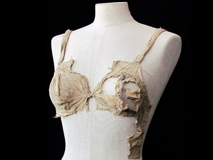 "Medieval ""Lingerie"" From 15th Century Castle Stuns Fashion Historians"