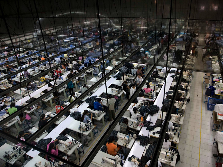 sweatshops in the united states The only comprehensive historical analysis of the globalization of the us  apparel industry, this book focuses on the reemergence of sweatshops in the  united.
