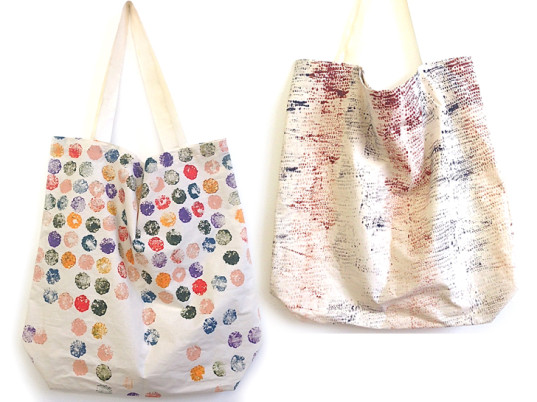 vegetable printing, DIY bags, DIY fashion, DIY clothing, DIY accessories, DIY tutorials, Textile Arts Center, natural dyes, eco-friendly dyes, sustainable dyes, eco-friendly bags, sustainable bags, eco-fashion, sustainable fashion, green fashion, ethical fashion, sustainable style