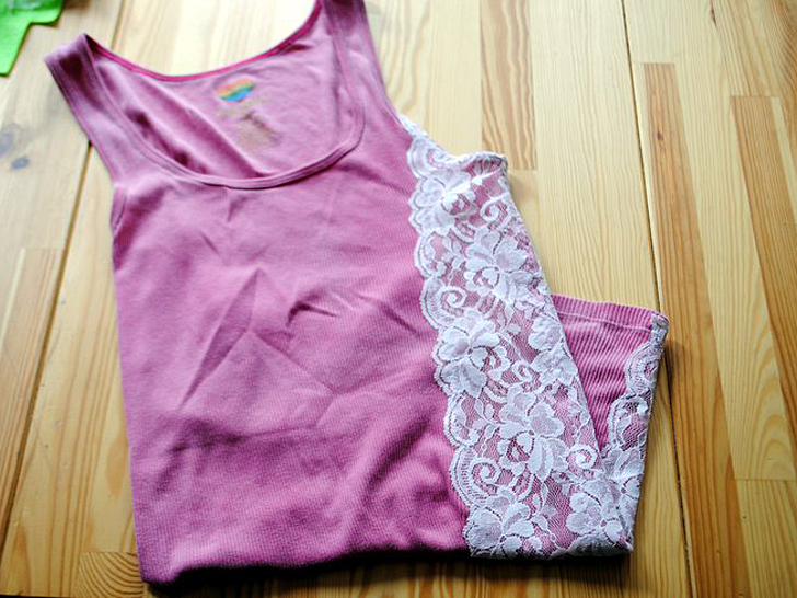 Jazz up an old tank top with these easy embellishments diy tutorial jazz up an old tank top with these easy embellishments diy tutorial ecouterre solutioingenieria Image collections