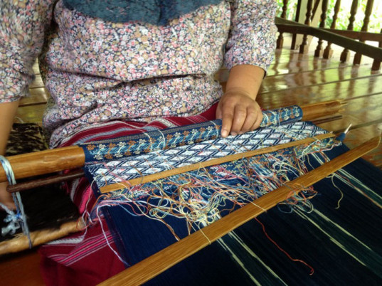 Studio Naenna, Thailand, Chiang Mai, indigo, natural dyes, eco-friendly dyes, sustainable dyes, eco-textiles, eco-friendly textiles, sustainable textiles, eco-fashion, sustainable fashion, green fashion, ethical fashion, sustainable style, nontoxic dyes, eco-friendly fabrics, sustainable fabrics, fair trade, fair-trade fashion, Patricia Cheesman