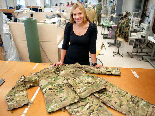 3D printing, 3D printers, 3D-printed clothing, 3D-printed fashion, eco-fashion, sustainable fashion, green fashion, ethical fashion, sustainable style, wearable technology, U.S. Army Natick Soldier Research Development and Engineering Center, Annette LaFleur, U.S. military, high-tech soldiers