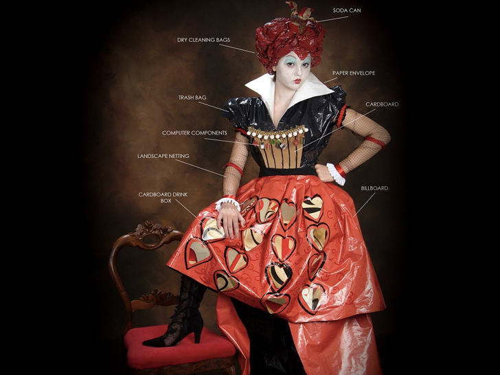 Lose your head over this recycled queen of hearts costume ecouterre solutioingenieria Image collections