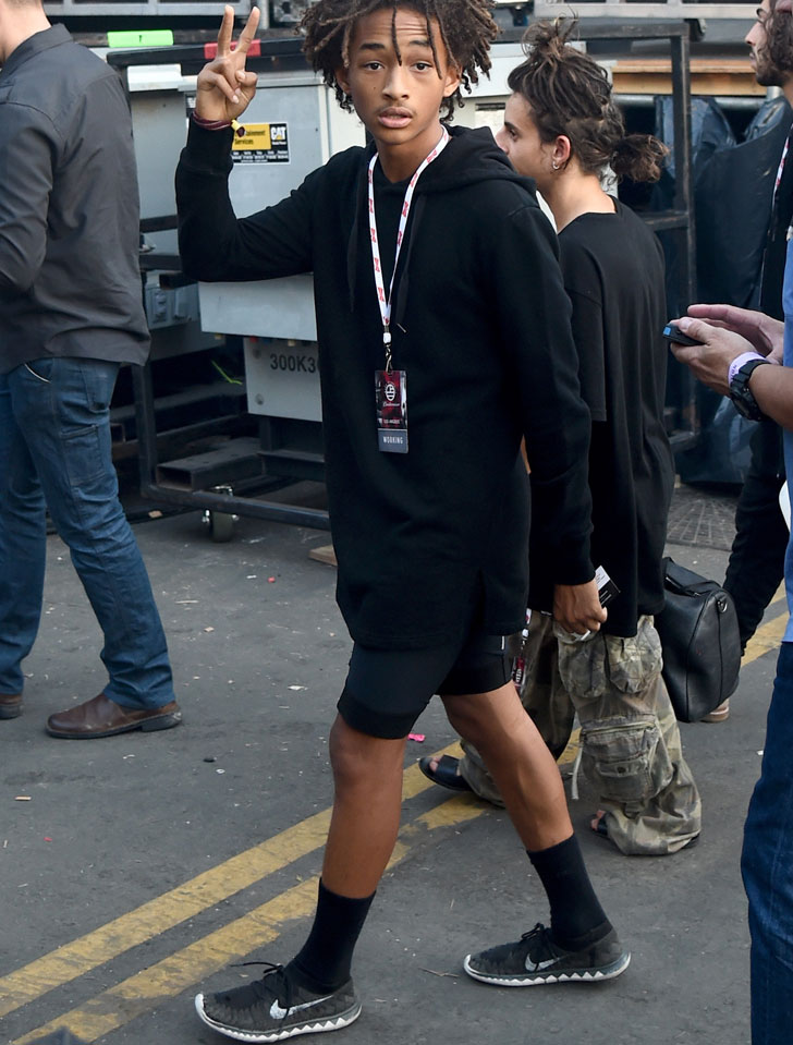 Does Hollywood Scion Jaden Smith Really Own Just One Pair Of Shoes Ecouterre