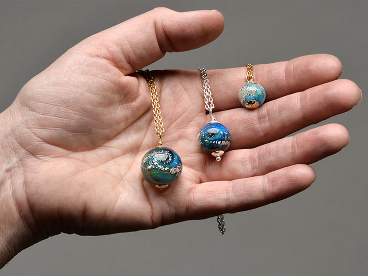 Glass artist turns cremated remains into memorial pendants ecouterre eco friendly jewelry aloadofball Images