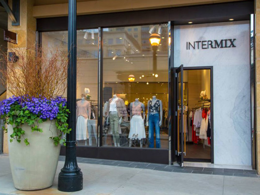 Intermix, Gap, eco-fashion, sustainable fashion, green fashion, ethical fashion, sustainable style, PETA, People for the Ethical Treatment of Animals, fur, animal fur, animal cruelty, animal welfare
