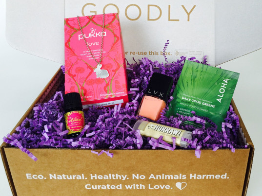 Justine Lassoff, Katie Bogue Miller, Love Goodly, eco-fashion, sustainable fashion, green fashion, ethical fashion, sustainable style, eco-beauty, eco-friendly beauty, sustainable beauty, green beauty, subscription boxes, fashion philanthropy