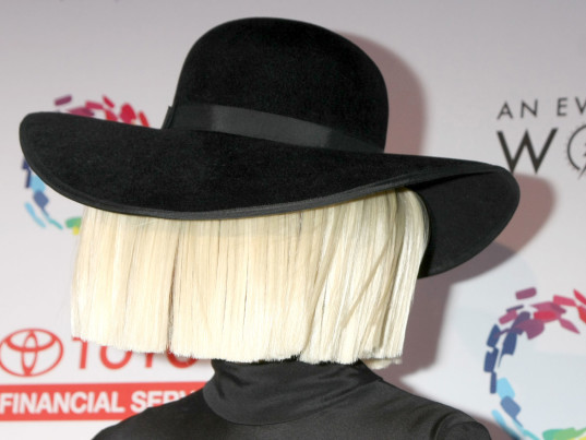 Sia, PETA, People for the Ethical Treatment of Animals, animal cruelty, animal welfare, animal rights, eco-fashion, sustainable fashion, green fashion, ethical fashion, sustainable style, videos, eco-celebs, eco-friendly celebrities, sustainable celebrities, green celebrities
