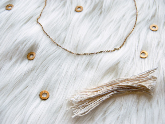 eco-friendly necklaces, sustainable necklaces, eco-friendly jewelry, sustainable jewelry, DIY jewelry, DIY necklaces, DIY fashion, DIY accessories, DIY tutorials, eco-fashion, sustainable fashion, ethical fashion, sustainable style, green fashion