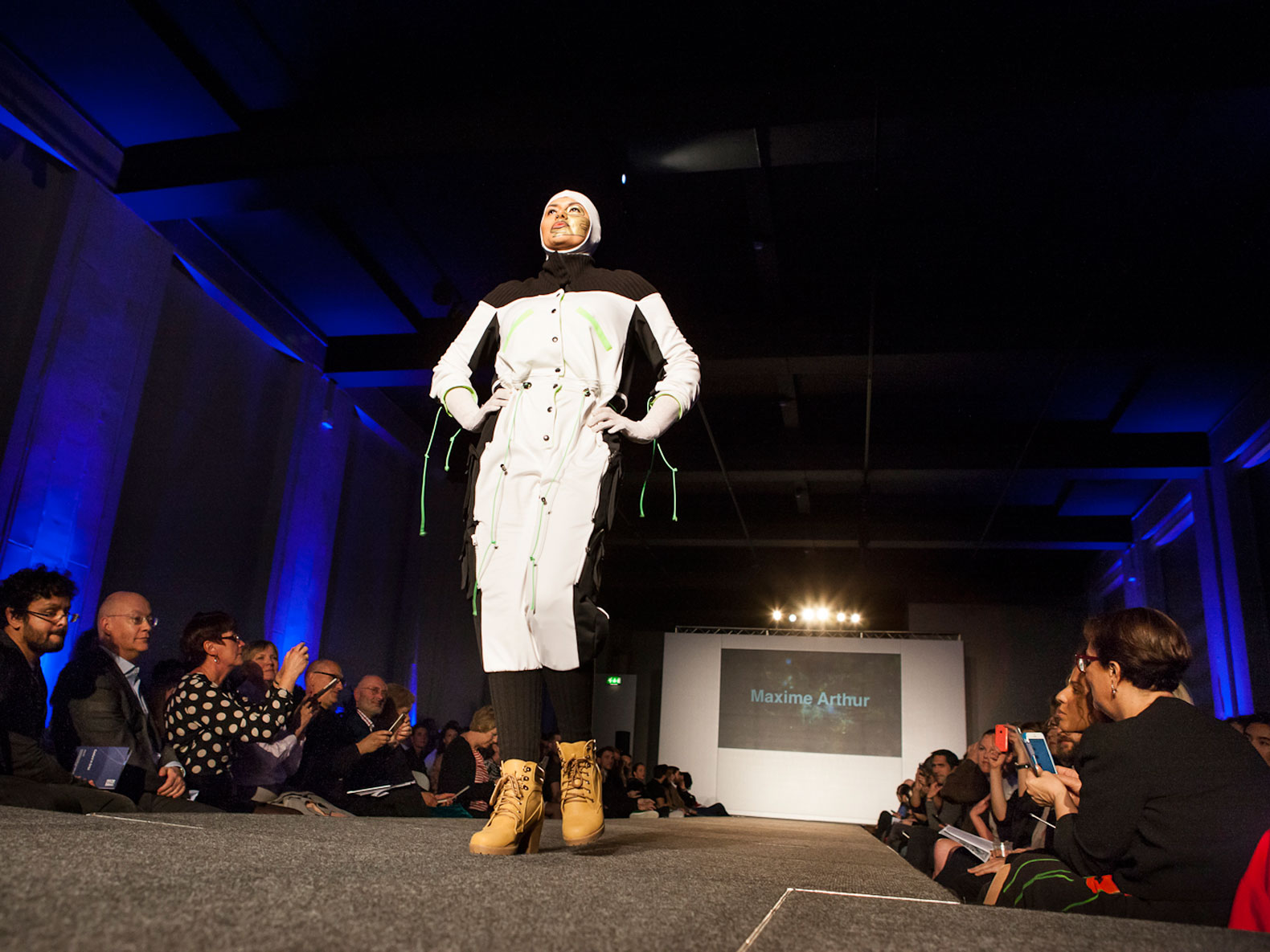 Couture in orbit ecouterre for Outer space clothing