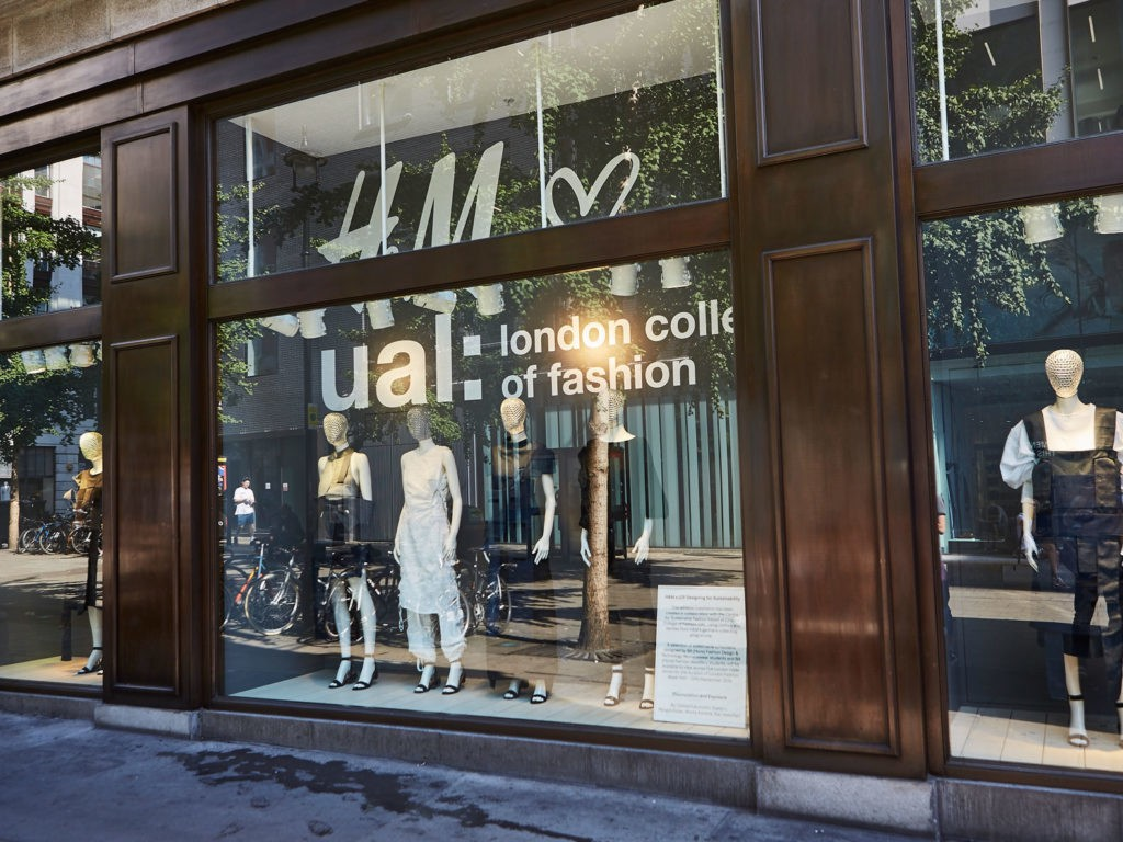 how to get into london college of fashion