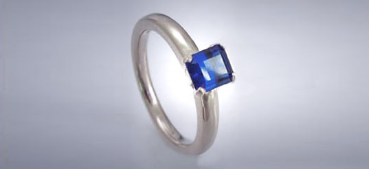 Jill Fehrenbacher's engagement ring, cultured sapphire with recycled platinum, eco-friendly engagement ring, green jewelry, sustainable jewelry