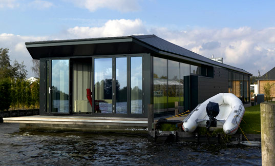 Waterstudio, Waterstudio.nl, Koen Olthuis, amphibious house, houseboat, floating house, flood resistant houses